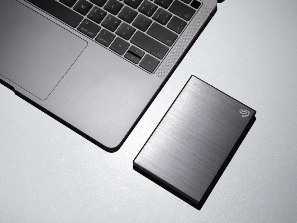 外付けHDDにバックアップ